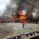 Kebakaran di pasar rakyat kampung Aimasi SP 3, Distrik Prafi, Manokwari. (Foto:SM3)